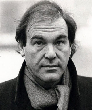 Оливер Стоун