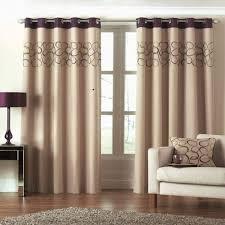 Как выбрать современные шторы в гостиную