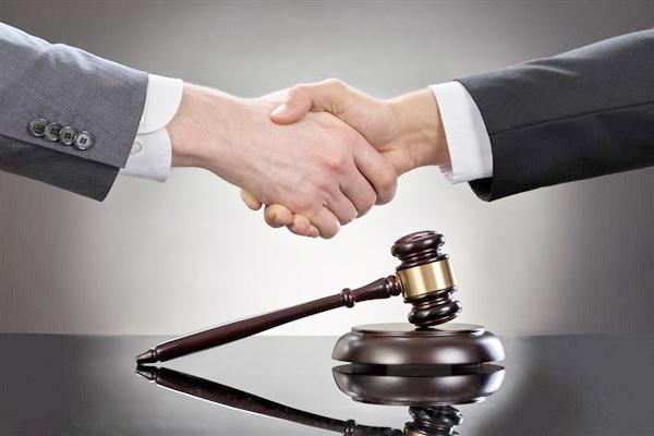 Квалифицированные адвокаты и юристы