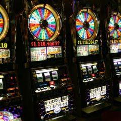 Как казино заставляют нас играть больше